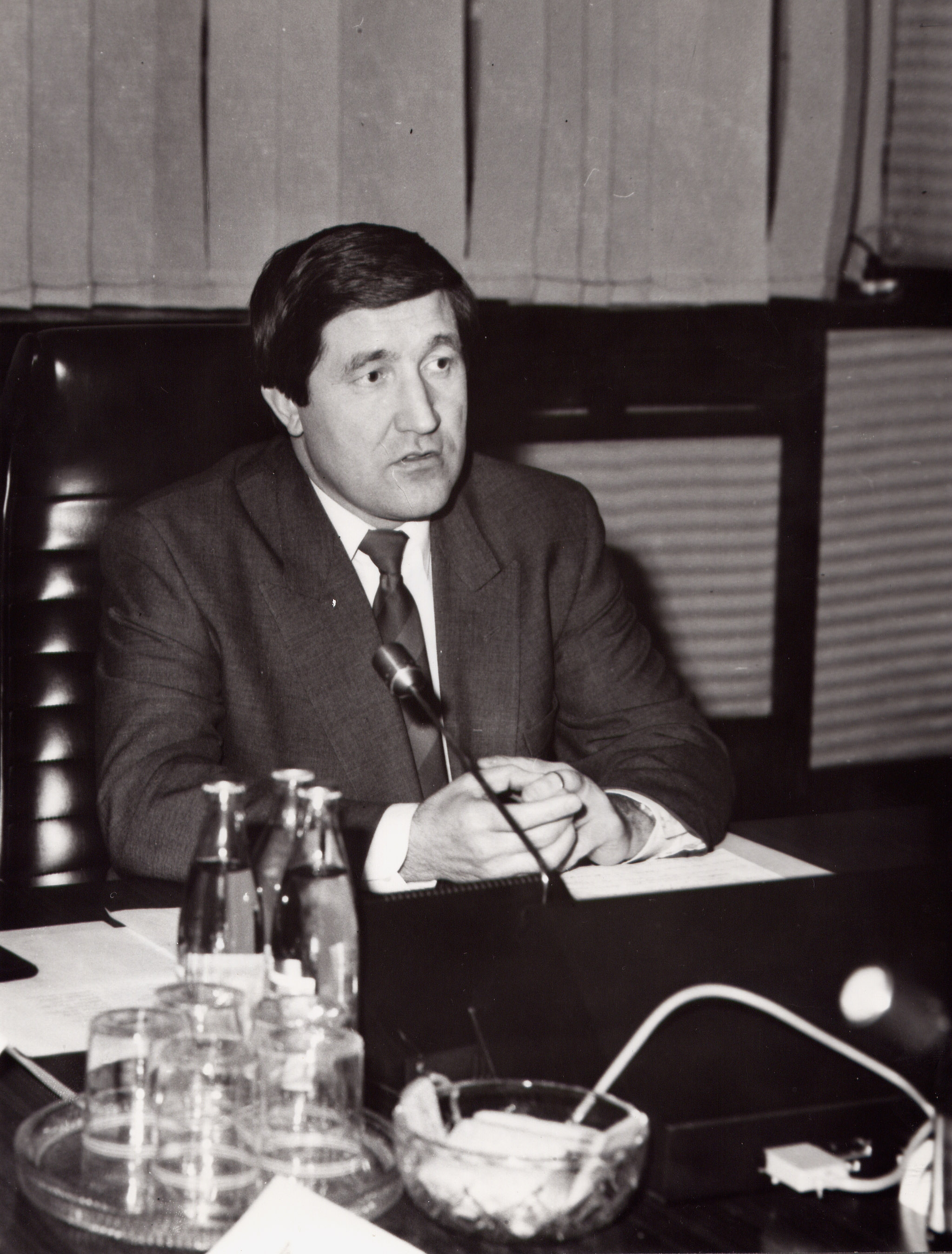 Minister of Fuel and Energy; 1993. Yuri Shafranik Konstantinovich